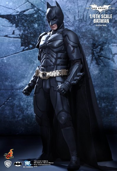 1/4th Scale The Dark Knight Rises Batman figure by Kojun, produced by Hot Toys. Front view.