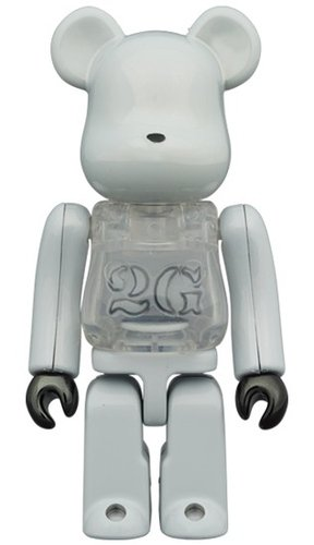 2G WHITE CHROME BE@RBRICK 100% figure, produced by Medicom Toy. Front view.