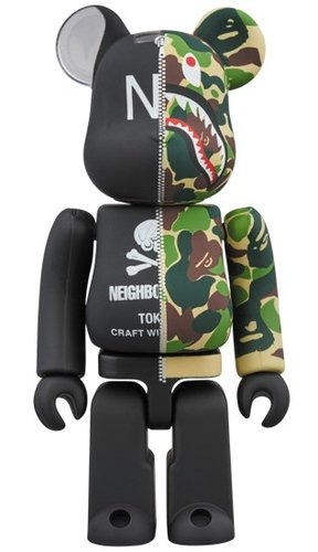 A BATHING APE(R) × NEIGHBORHOOD(R) BE@RBRICK 100% figure, produced by Medicom Toy. Front view.