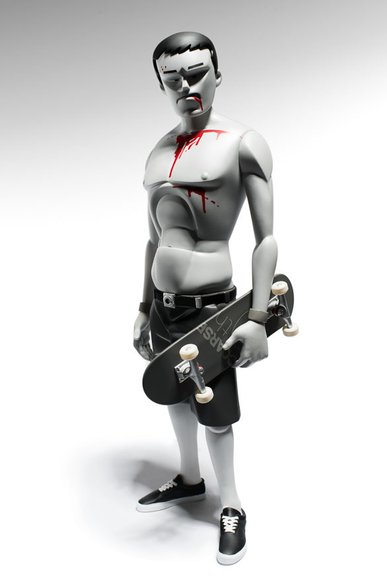 Flake, Fluid and Float - Pain edition. figure by Mark Landwehr X Sven Waschk, produced by Coarsetoys. Front view.
