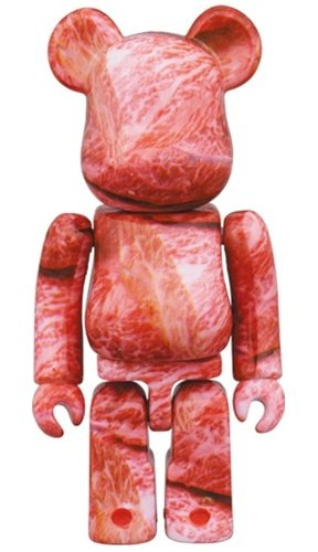 AgingBeef BE@RBRICK 100% figure, produced by Medicom Toy. Front view.
