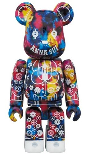 ANNA SUI × M/mika ninagawa BE@RBRICK 100% figure, produced by Medicom Toy. Front view.