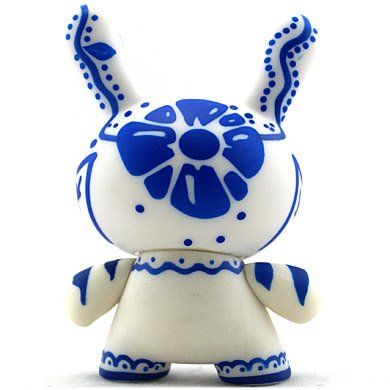 Talavera figure by Artemio, produced by Kidrobot. Back view.