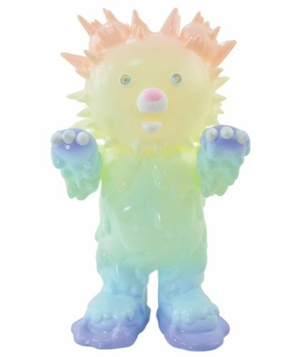 Baby inc 7th color - Pastel Rainbow (GID) figure by Hiroto Ohkubo, produced by Instinctoy. Front view.