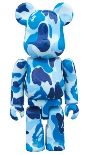 BAPE-ABC Blue BE@RBRICK 100% figure, produced by Medicom Toy. Front view.