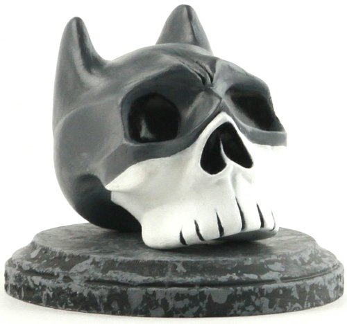 Batman Numm Skull figure by Brad Albright, produced by Albright Illustrations. Front view.