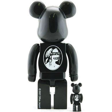 Jwyed Be@rbrick 100% & 400% Set figure, produced by Medicom Toy. Back view.