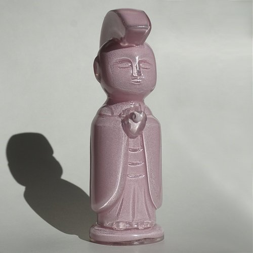 BE MY BABY PINK JIZO-ANARCHO figure by Toby Dutkiewicz, produced by DevilS Head Productions. Front view.