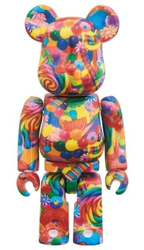 DYLANS CANDY BAR BE@RBRICK 100%  figure, produced by Medicom Toy. Front view.