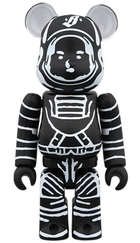 BILLIONAIRE BOYS CLUB ASTRONAUT BLACK BE@RBRICK 100% figure, produced by Medicom Toy. Front view.