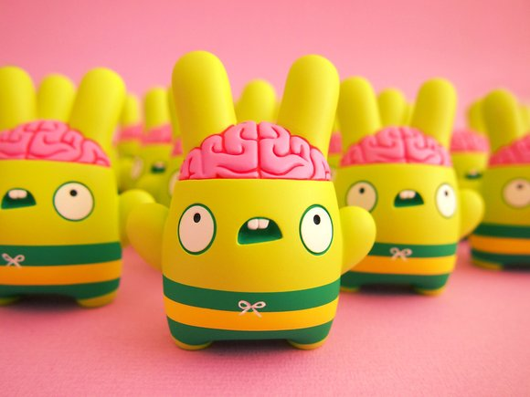 Billy Brains figure by Dolly Oblong. Front view.