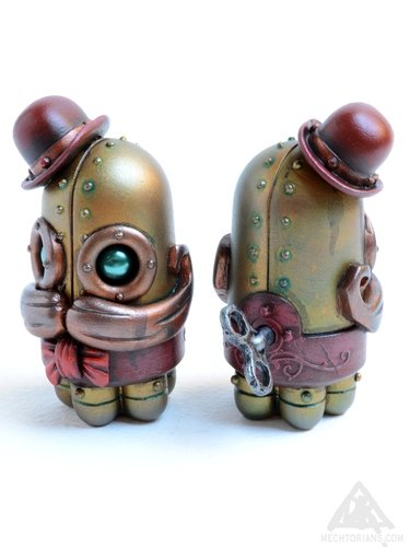 Blinky Allsop figure by Doktor A. Front view.