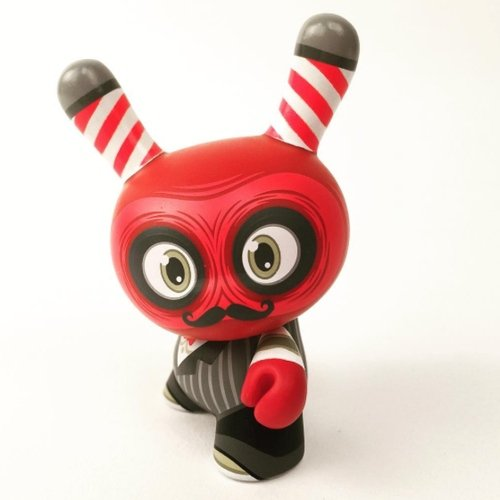 Bloody Argh Barber figure by Scott Tolleson, produced by Kidrobot. Front view.