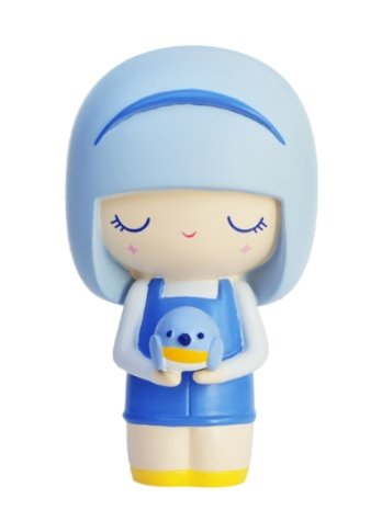 Bluebird figure by Luli Bunny, produced by Momiji. Front view.