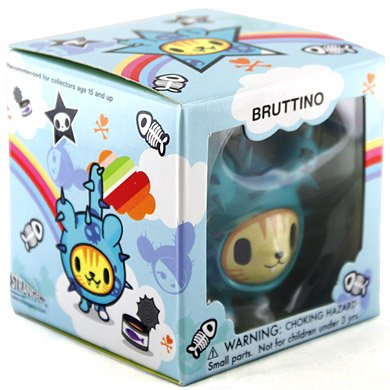 Bruttino figure by Simone Legno (Tokidoki), produced by Strangeco. Packaging.