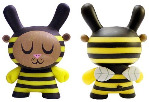 Bumble Bee  figure by Amanda Visell, produced by Kidrobot. Back view.