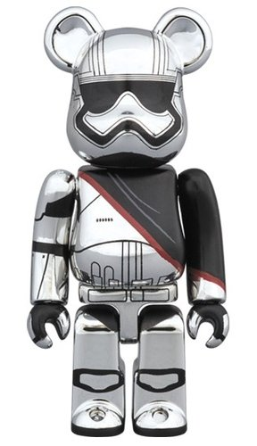 CAPTAIN PHASMA STAR WARS BE@RBRICK 100% figure, produced by Medicom Toy. Front view.