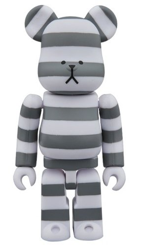 CRAFTHOLIC BE@RBRICK 100% figure, produced by Medicom Toy. Front view.