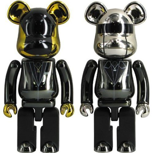 Daft Punk 200% Super-Alloy Bearbrick set(Random Access Memories) figure, produced by Medicom. Front view.