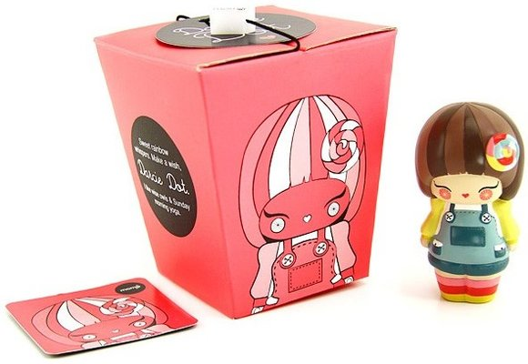 Darcie Dot figure by Momiji, produced by Momiji. Packaging.