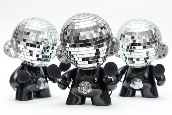 Disco Munny Ball (LE) figure by Ikar11. Detail view.