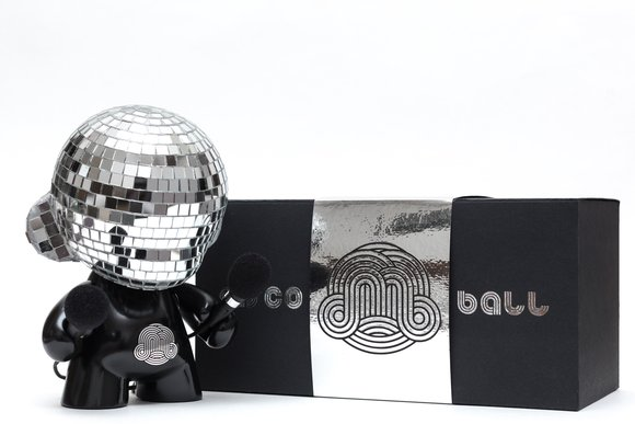 Disco Munny Ball (LE) figure by Ikar11. Packaging.