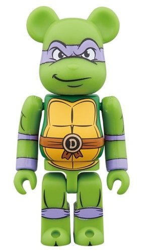 DONATELLO BE@RBRICK 100% figure, produced by Medicom Toy. Front view.