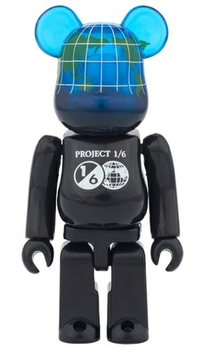 EARTH COSMIC BLACK BE@RBRICK figure, produced by Medicom Toy. Front view.