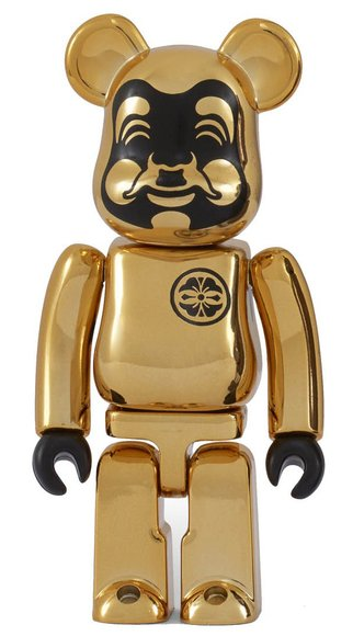 EVISU Gold-plated BE@RBRICK 100% figure, produced by Medicom Toy. Front view.