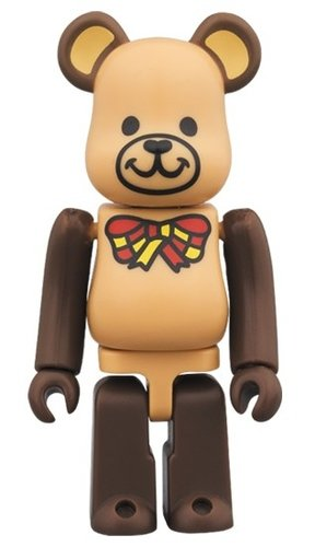 FREEMASONRY BE@RBRICK 100% figure, produced by Medicom Toy. Front view.