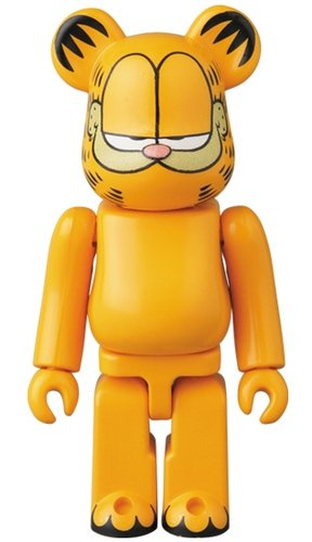 Garfield S36 Be@rbrick 100% figure, produced by Medicom Toy. Front view.