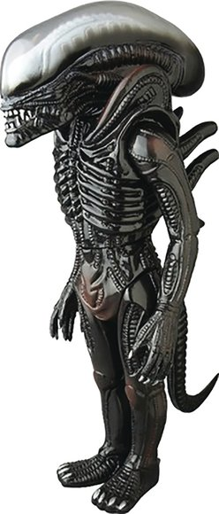 Giant Xenomorph figure, produced by Medicom X Marmit. Front view.