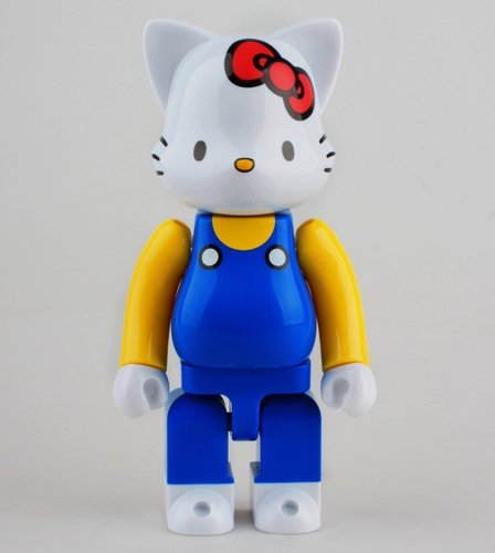 Hello Kitty 400% figure by Sanrio, produced by Medicom Toy. Front view.