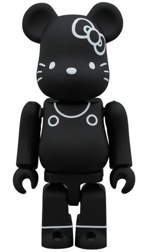 HELLO KITTY 80s BE@RBRICK 100% figure, produced by Medicom Toy. Front view.