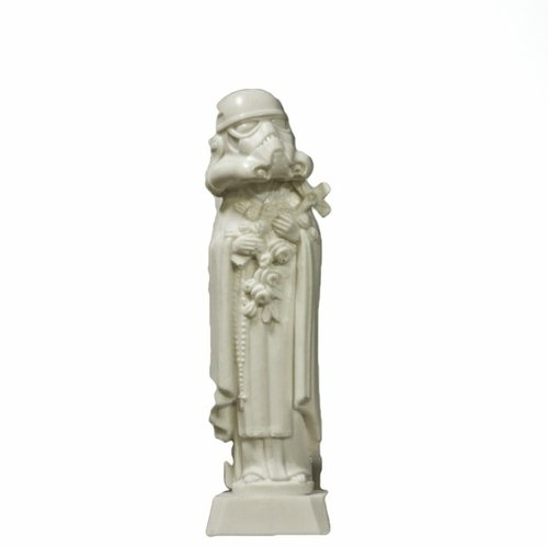 Idolatry figure by Imbue. Front view.