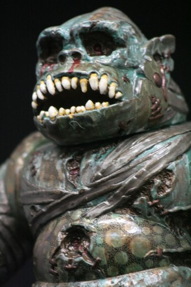 Itamu (Mecha Gorilla-Ju) figure by Pushead X Hirota Saigansho, produced by Hirota Saigansho. Detail view.