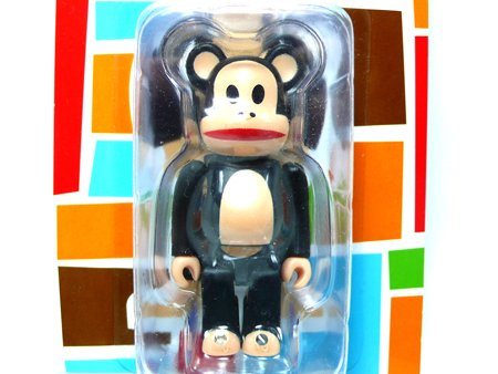 Julius Be@rbrick 100% figure by Paul Frank, produced by Medicom Toy. Detail view.