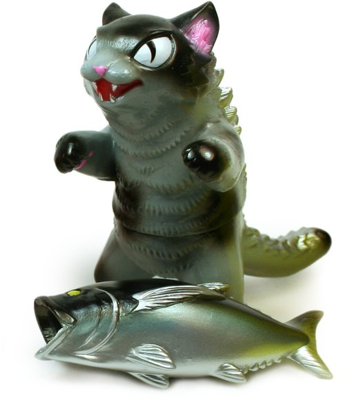 Kaiju Negora with Big Fish - Hyper Hobby Japan exclusive figure by Konatsu X Max Toy Co., produced by Max Toy Co.. Front view.