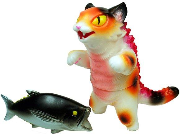 kaiju negora with big fish max toy exclusive figure by mark nagata
