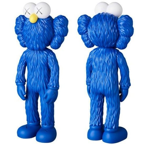 KAWS BFF Blue MOMA Exclusive (Open Edition) figure by Kaws, produced by Medicom Toy. Front view.