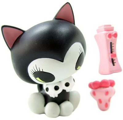 Keikos Pet Cat & Sex Toy figure by Junko Mizuno, produced by Kidrobot. Front view.