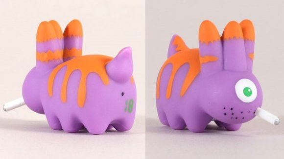 Kidrobot Mascot 18 - KidMutant figure by Frank Kozik, produced by Kidrobot. Detail view.