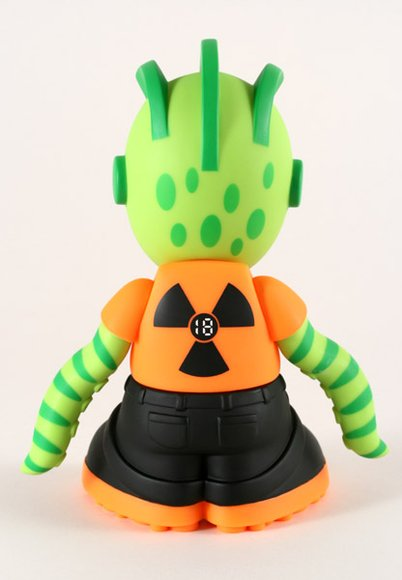 Kidrobot Mascot 18 - KidMutant figure by Frank Kozik, produced by Kidrobot. Back view.