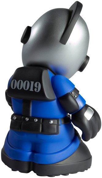 Kidrobot Mascot 19 - KidRiot  figure by Jeremy Madl (Mad), produced by Kidrobot. Back view.