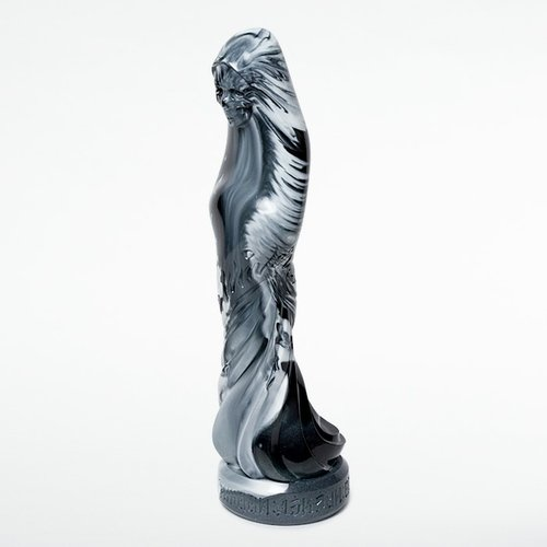 Kokuten Ritsuzou (Black/White Marble) figure by Usugrow, produced by Secret Base. Side view.