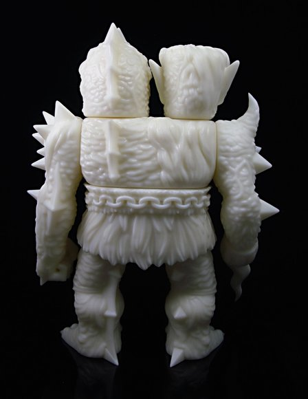 Krawluss, the 2-headed creature of doom figure by Lash X Skinner, produced by Mutant Vinyl Hardcore. Back view.
