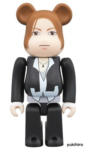 LArc-en-Ciel BE@RBRICK 100% figure, produced by Medicom Toy. Front view.