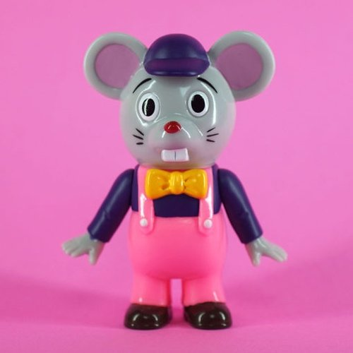 Little Mouse figure by Pointless Island, produced by Awesome Toy. Front view.