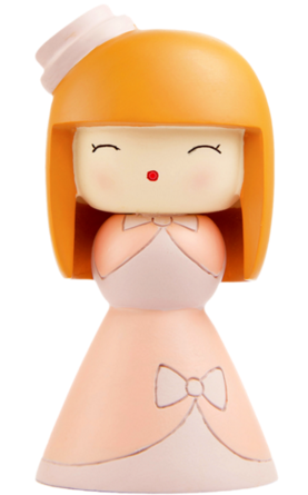 Lolita figure by Joanna Zhou, produced by Momiji. Front view.
