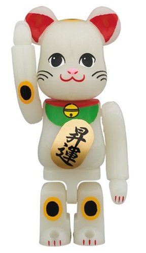 Lucky Cats (Promotion GID) BE@RBRICK 100% figure, produced by Medicom Toy. Front view.